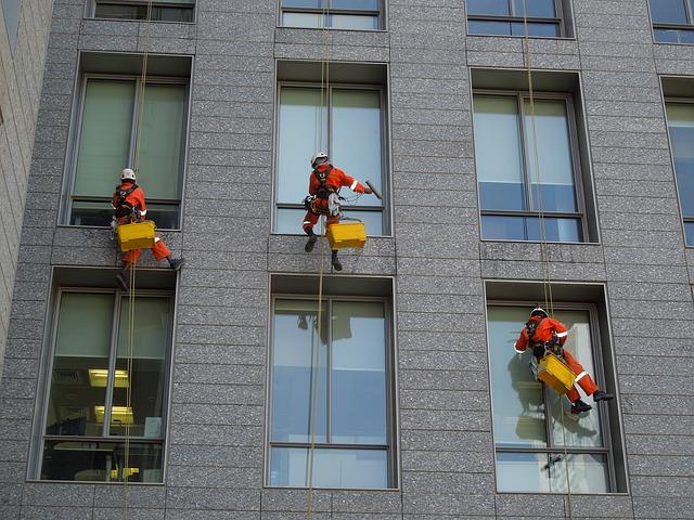 Limpieza de edificios acristalados