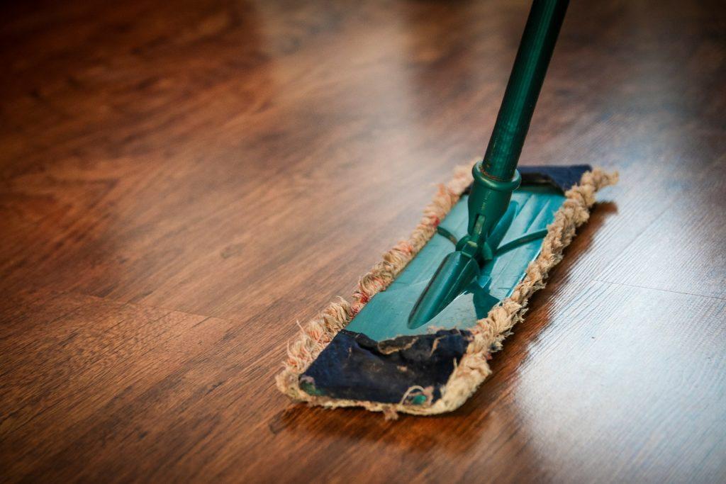 Limpieza y abrillantado de suelos